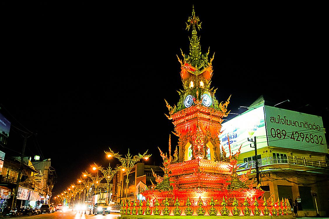 башня с часами в Чианг Рае