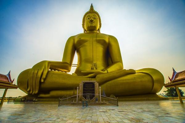 Большой Будда в Анг Тонге и Парк демонов