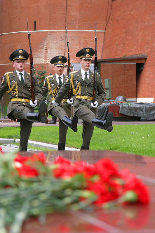 Changing_Guard_Alexander_Garden_Moscow.hires