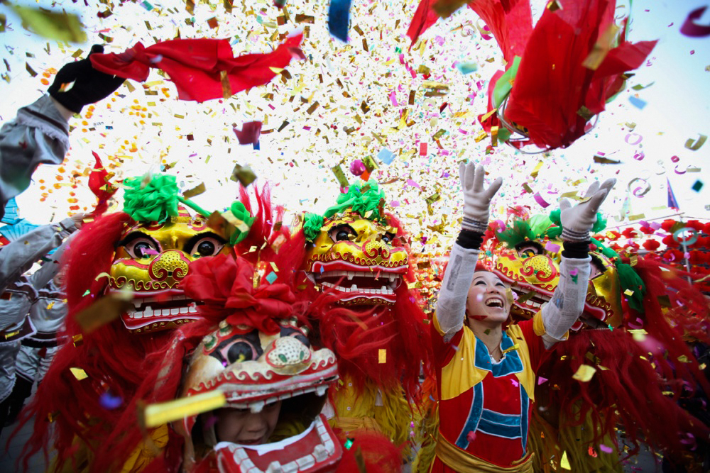 13924660-R3L8T8D-1000-Chinese-Lunar-New-Year-2012-Dragon-A-Round-The-World-0091