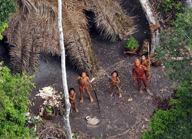 1266510-R3L8T8D-650-aborigenyi-Severnogo-Sentinelskogo-ostrova