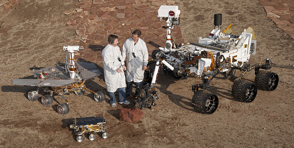 1024px-pia15279_3rovers-stand_d2011_1215_d521